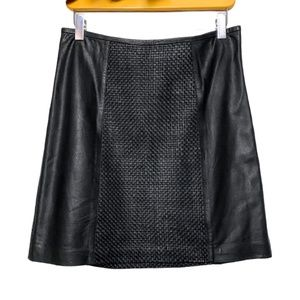 Danier Genuine Leather Quilted Skirt Black | Small